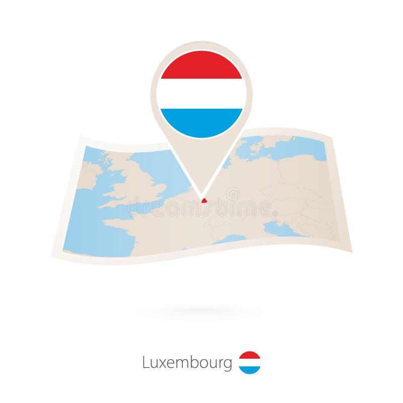 Gevouwen document kaart van Luxemburg met vlagspeld van Luxemburg vector illustratie