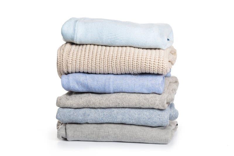 Gevouwen sweater op isolatieachtergrond royalty-vrije stock afbeeldingen