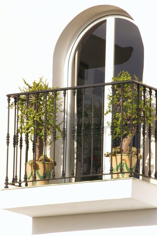 Gewölbtes Fenster lizenzfreie stockfotos