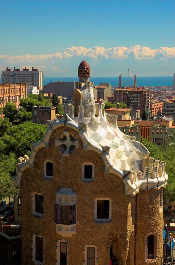 Gewürz-backen Sie Haus im Park Guell durch Antoni Gaudi zusammen lizenzfreie stockfotografie
