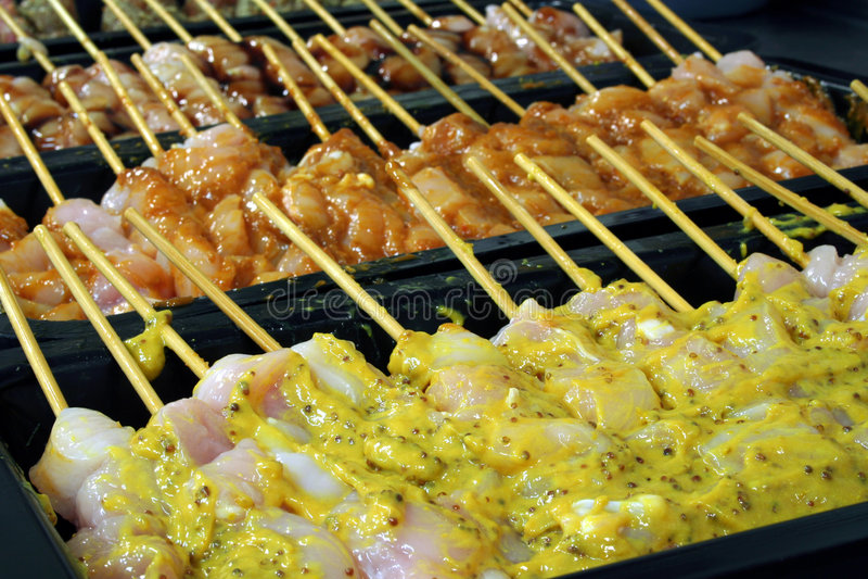 Gewürzte kebabs stockfotos