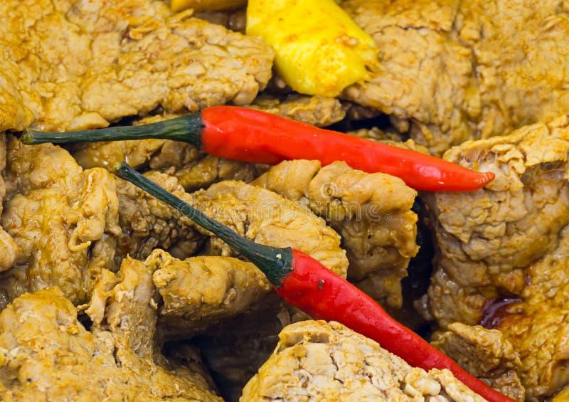 Gewürztes Schweinefleisch würzte Curry mit Paprikapfeffer auf Asiaten stockfoto