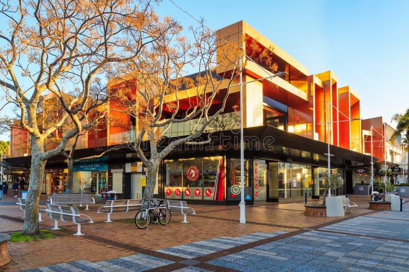 Gewaagde moderne architectuur in Tauranga, Nieuw Zeeland royalty-vrije stock fotografie