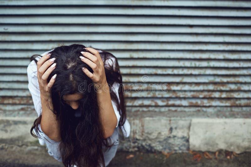 Gewalttätigkeit gegen Frauen stockfotografie
