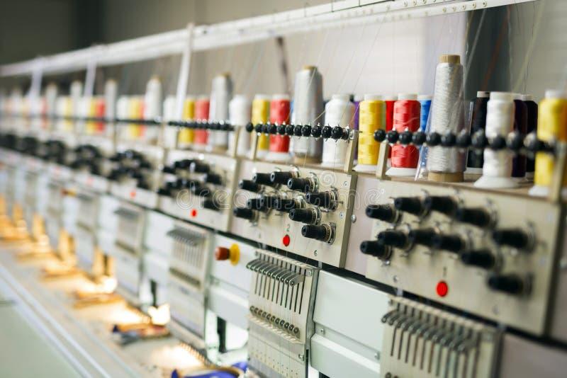 Gewebeindustriefertigungsstraße stockfotos