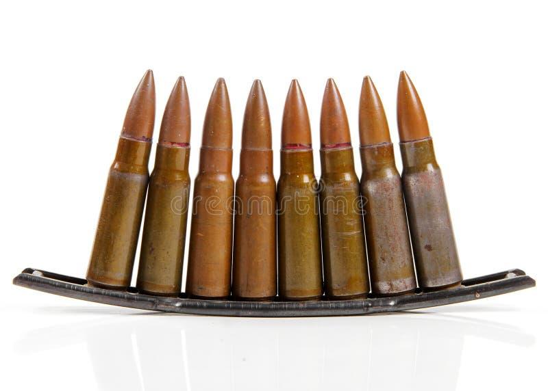 Gewehrkugeln auf Weiß stockfoto