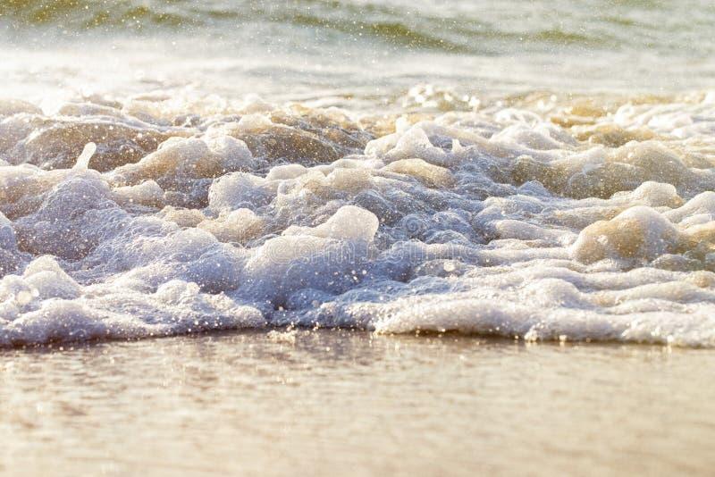 Gewelltes Wasserseespritzen Weicher Fokus lizenzfreie stockfotos