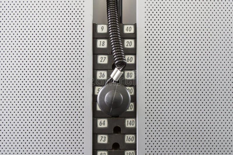Gewichtheben-Maschinen-Skala stockfotos