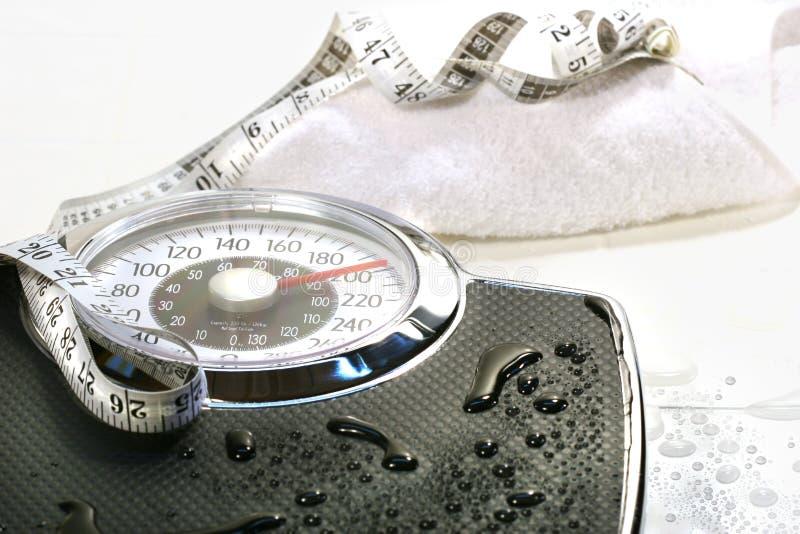 Gewichtskala und -tuch stockfotografie
