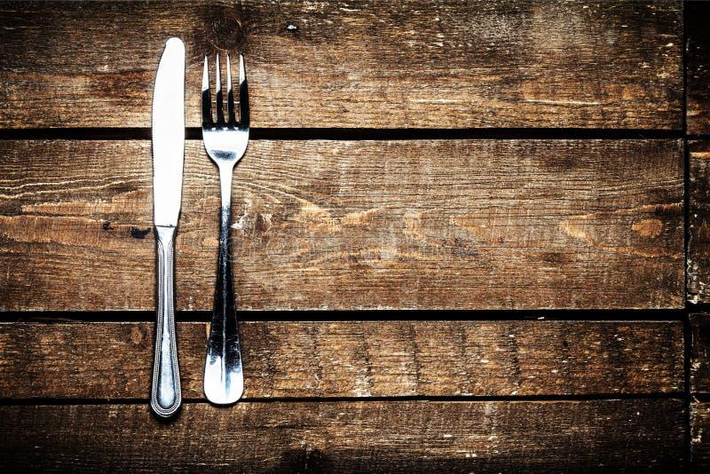 Gewichtsverlust-Salat über hölzernem Hintergrund stockfoto