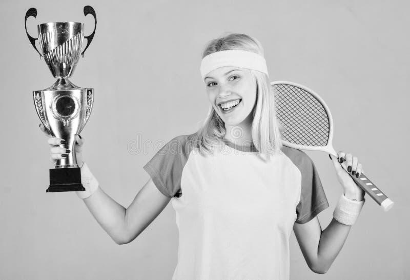 Gewinntennisspiel Frauenabnutzungs-Sportausstattung Tennisspieler-Gewinnmeisterschaft Erster Platz Sportleistung celebrate lizenzfreies stockbild