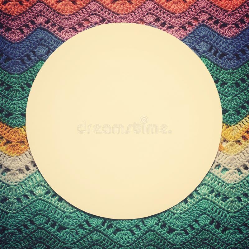 Gewirktes mehrfarbiges Baumwollsegeltuch Runder weißer Rahmen für Text stockfoto