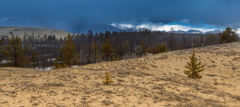 Gewitterwolke über den Charabansanden lizenzfreies stockbild