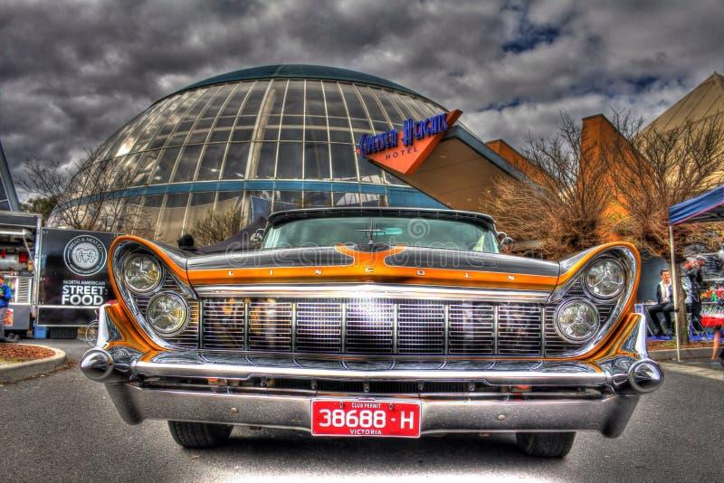 Gewohnheit gemalter fünfziger Jahre Amerikaner Ford Lincoln Continental lizenzfreie stockbilder