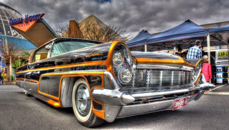 Gewohnheit gemalter fünfziger Jahre Amerikaner Ford Lincoln Continental lizenzfreie stockfotos