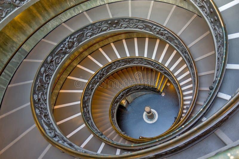 Gewundene Treppe der Vatikan-Museen, Vatikanstadt, Italien stockfotografie