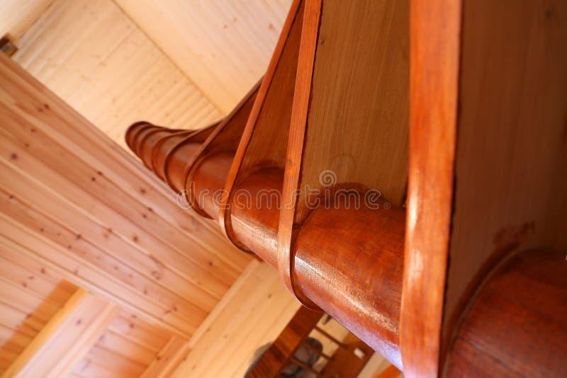 Gewundene Treppe vom Innenraum stockfoto