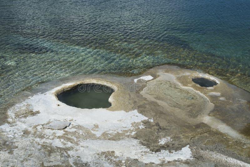 Geyser τρύπες στο εθνικό πάρκο Yellowstone στοκ εικόνες με δικαίωμα ελεύθερης χρήσης