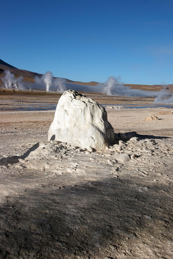 Geyser dormant, gisement géothermique d'EL Tatio, Chili images libres de droits