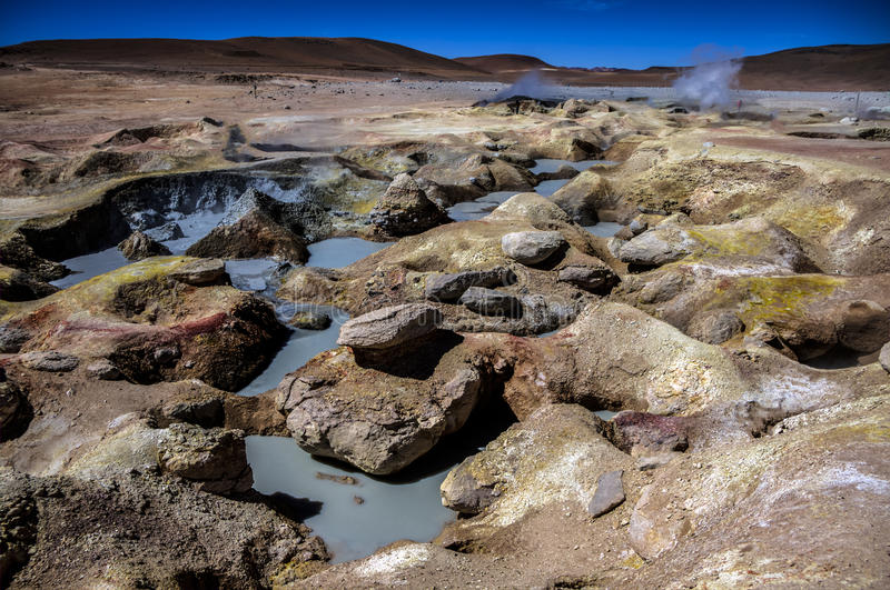 Geyser Sol de Manana在玻利维亚 免版税图库摄影