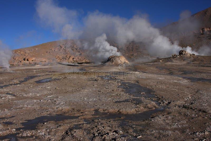 Geysers d'EL Tatio et eaux chaudes photographie stock libre de droits