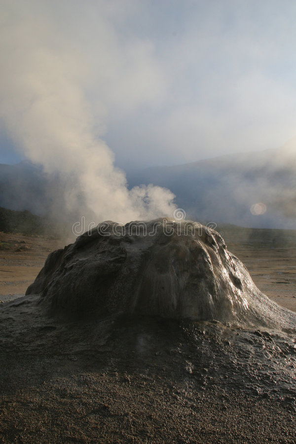 Geysers de Tatio photo stock