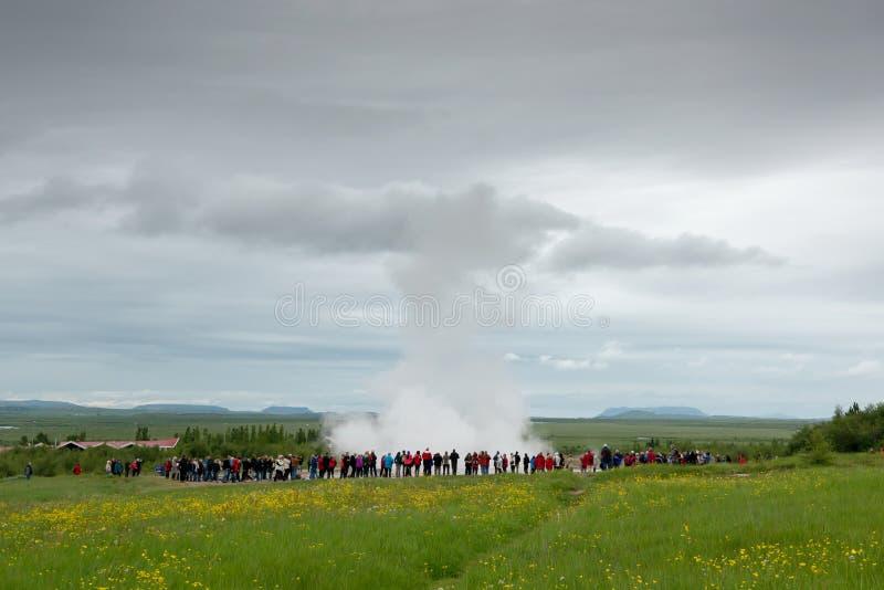 Geysir em Islândia foto de stock royalty free