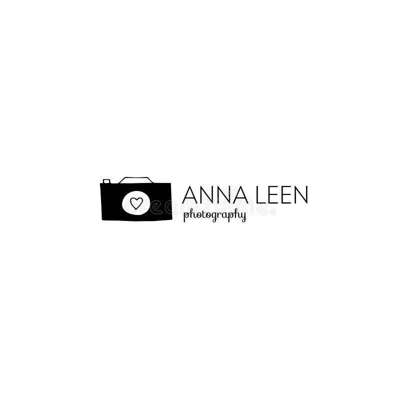 Gezeichnete Logoschablone des Vektors Hand Kameraschattenbild stock abbildung