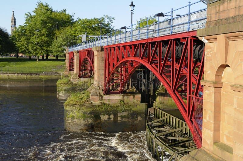 Gezeiten- Wehr, Fluss Clyde, Glasgow, Schottland lizenzfreie stockbilder