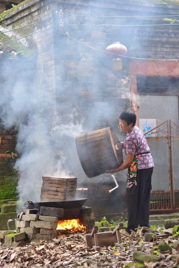 Gezellig ouderwets Chinees dorp die het landelijke leven koken royalty-vrije stock fotografie