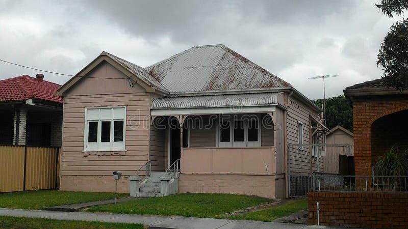 Gezellig ouderwets roze huis - Australië royalty-vrije stock foto