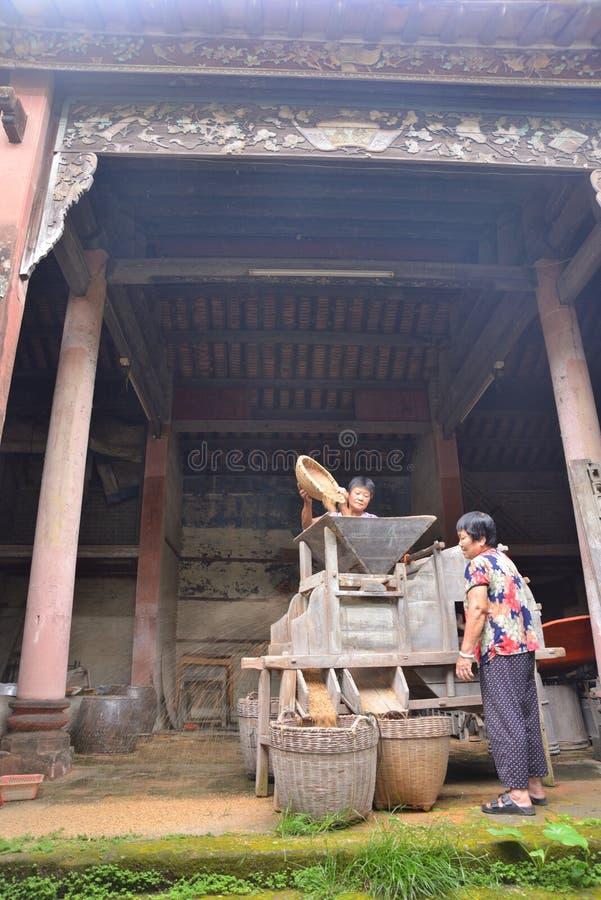 Gezellig ouderwetse Chinese dorps malende machine royalty-vrije stock afbeelding
