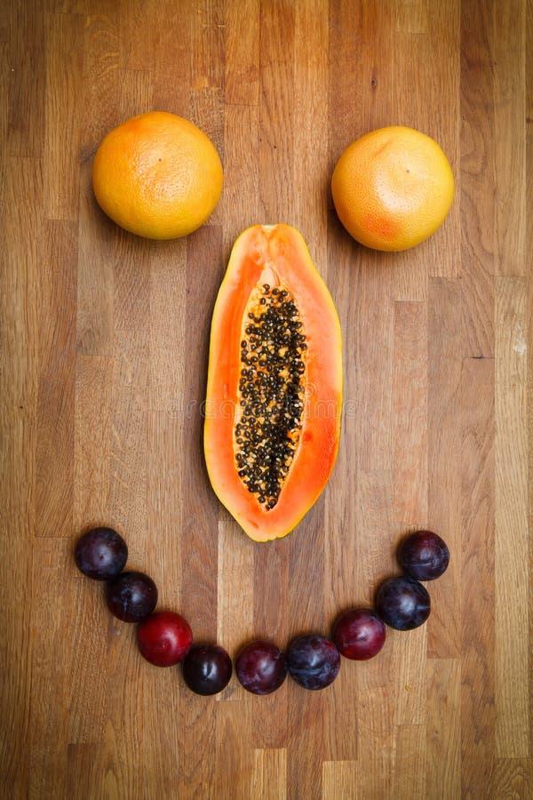 Gezicht dat van vruchten wordt gemaakt royalty-vrije stock afbeeldingen