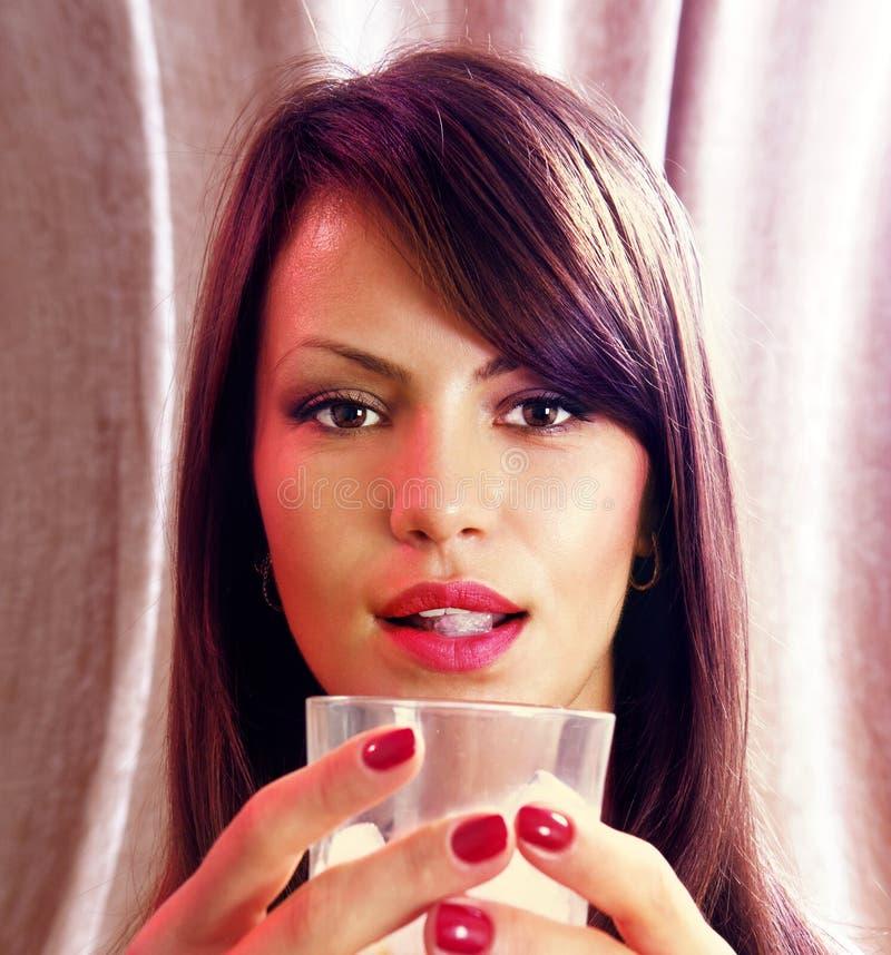 Gezicht en glas wisky stock fotografie