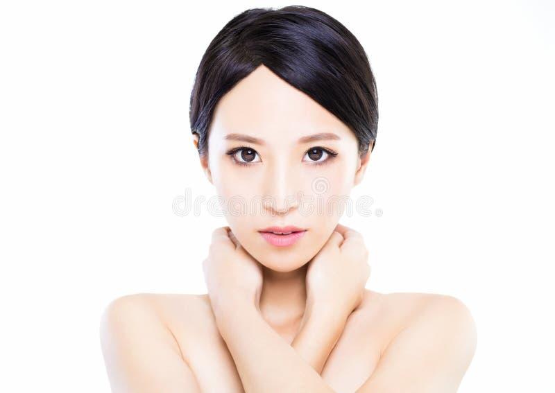 Gezicht van de close-up het jonge vrouw met schone huid stock afbeeldingen