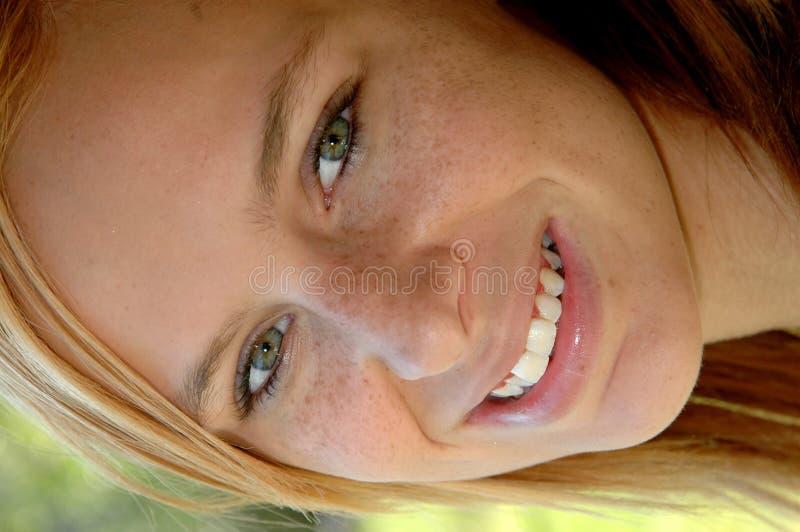 Gezicht van gelukkig tienermeisje royalty-vrije stock afbeeldingen