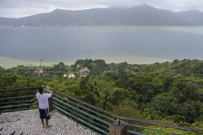 Gezichtspunt van Conceição Lake - Florianópolis/SC - Brazilië stock foto's