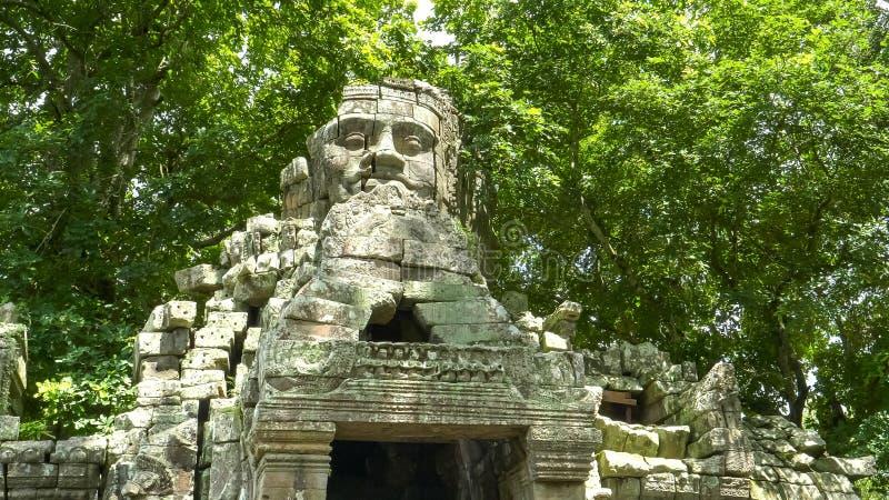 Gezichtstoren bij de het westeningang van banteay kdeitempel, angkor wat royalty-vrije stock afbeeldingen