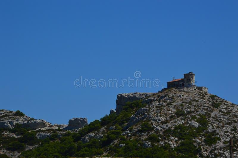 Gezoem op de bergen rond Marseille stock foto