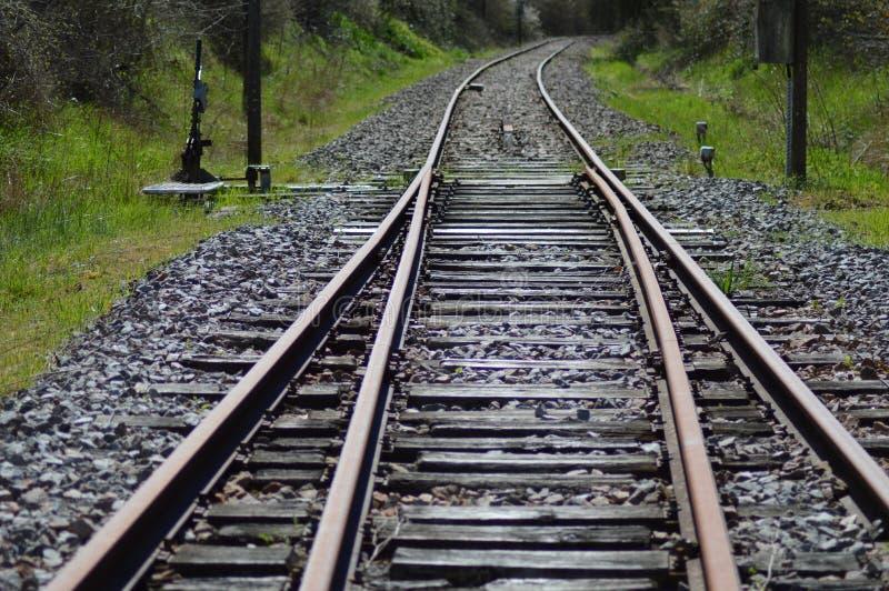 Gezoem op een spoorweg van Frankrijk stock fotografie