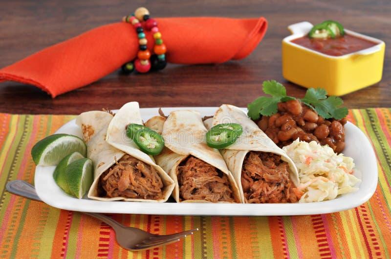 Gezogenes Schweinefleisch Burrito-Abendessen stockfotografie