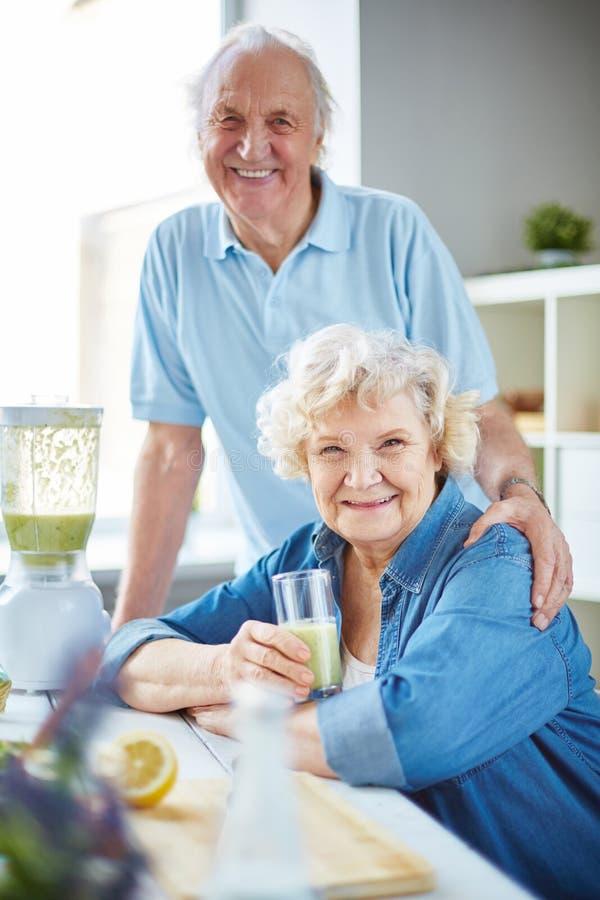 Gezond bejaard paar royalty-vrije stock foto