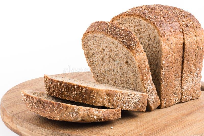 Gezond chronodiebrood over witte achtergrond wordt geïsoleerd stock foto