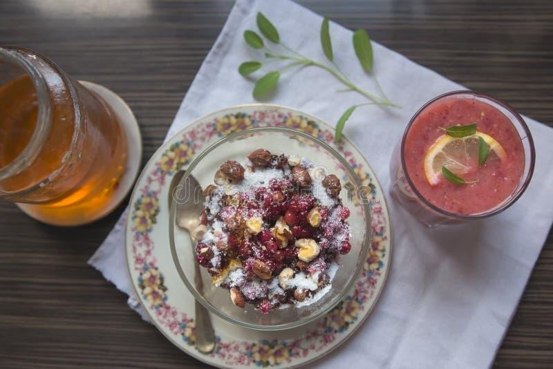 Gezond en smakelijk ontbijt royalty-vrije stock afbeeldingen