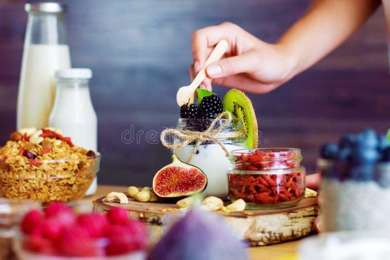 Gezond geschiktheidsvoedsel voor ontbijt royalty-vrije stock foto's