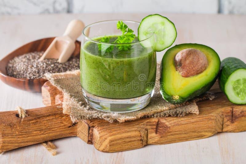 Gezond groen sap smoothie royalty-vrije stock fotografie