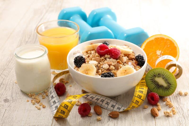 Gezond ontbijt met muesli royalty-vrije stock foto