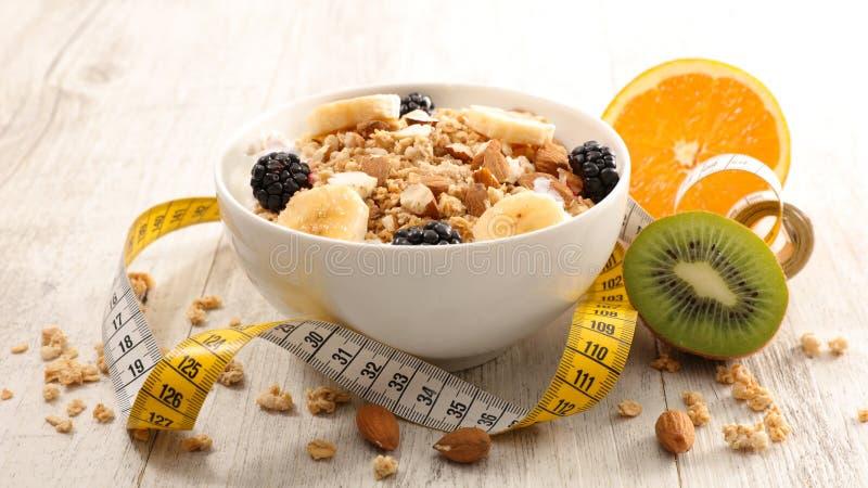 Gezond ontbijt met muesli stock foto's