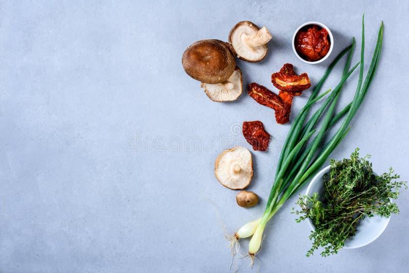 Gezond voedsel, biogroenten, ingrediënten voor het koken, exemplaar spac royalty-vrije stock fotografie