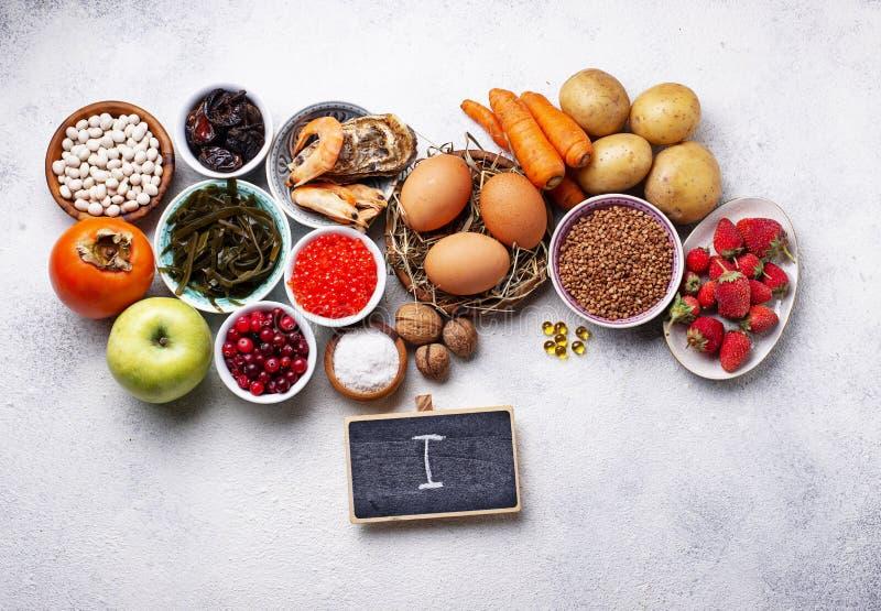 Gezond voedsel die jodium bevatten Productenrijken in I stock afbeeldingen